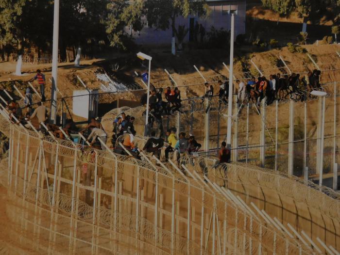 Errefuxiatuei buruzko erakusketa jarri dute Otueta Gizarte Etxean - 2