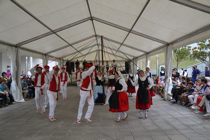 Untzueta dantza taldeak 35. urteurrena ospatu zuen atzo - 41