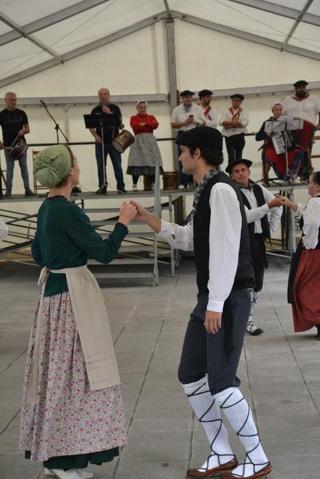 Untzueta dantza taldeak 35. urteurrena ospatu zuen atzo - 12