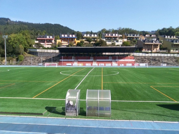 Futbol zelaietako tabernak kudeatzeko lan eskaintza zabaldu dute klubek