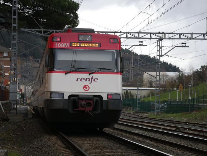 Atzerapenak daude C-3 lineako tren zerbitzuan
