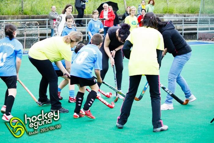 Jardunaldi ederra pasa zuten hockeyzaleek II. Hockey Egunan - 7