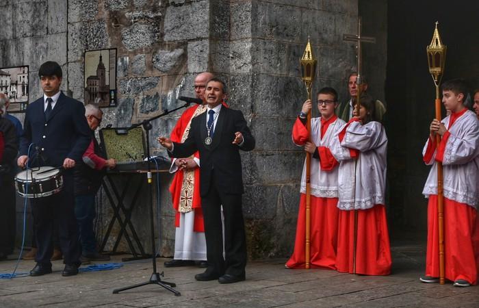 Laudion ere prozesioak hartu zuen kalea Ostiral Santuan - 4