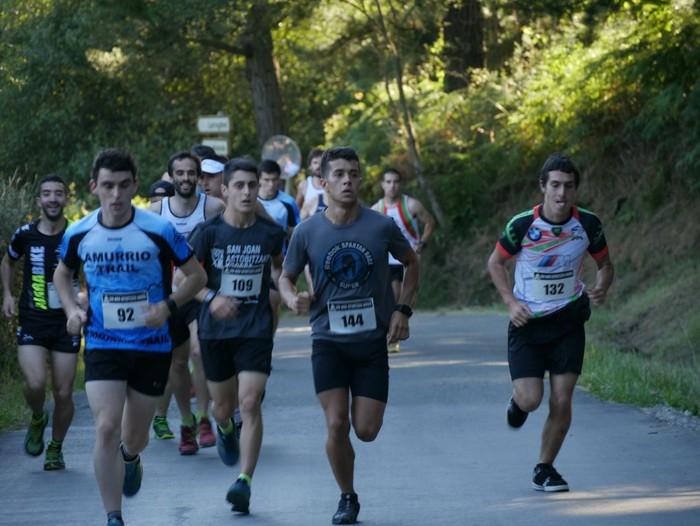 Felipe Larrazabal eta Maider Urtaran garaile San Joan Astobitzako krosean - 6
