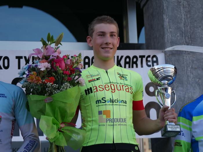 Pablo Fernandezek irabazi zuen sprintean Aiarako Birako lehen etapa - 108