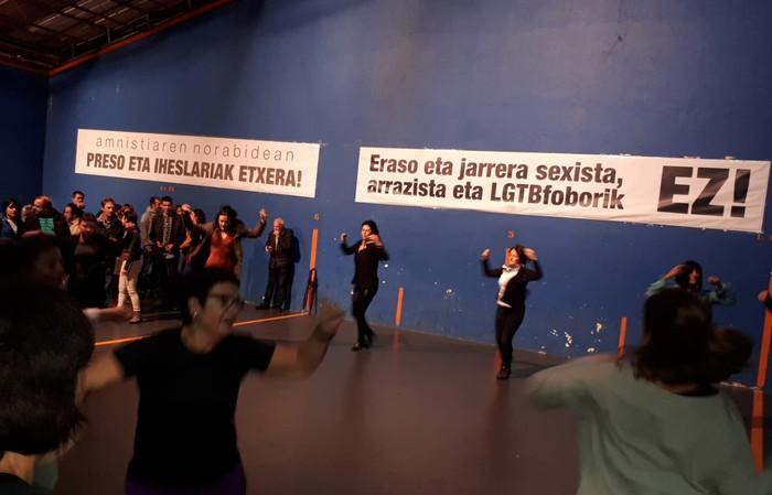 Musikak, dantzak eta gastronomiak bat egin dute Zolloko Jaien lehen txanpan - 12