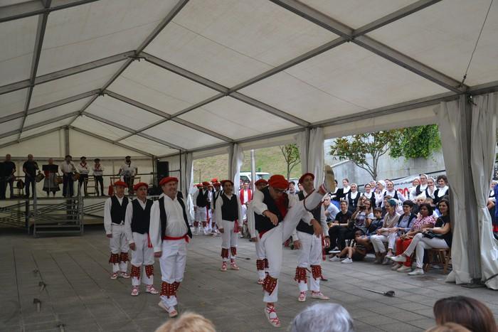 Untzueta dantza taldeak 35. urteurrena ospatu zuen atzo - 61