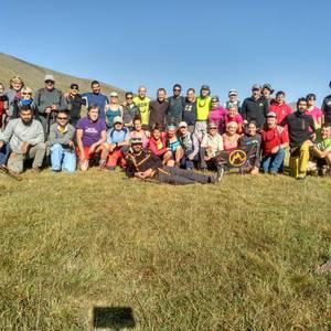 Armeniako 3.000 metroko tontorrak igo dituzte Mendiko Lagunakeko kideek
