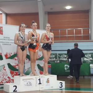 Domina ugarirekin Aresketako gimnastak Euskadiko Txapelketatik