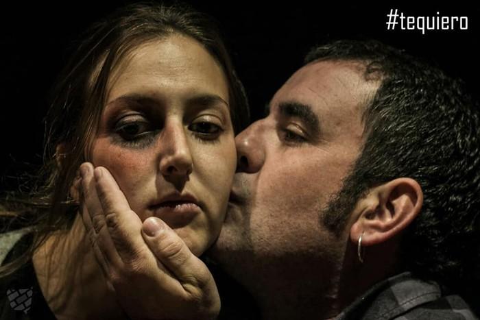 Indarkeria matxistaren aurkako argazki erakusketa osatu du Otsati elkarteak - 10