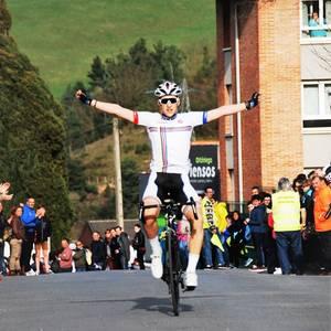 Aitor Alberdi garaile Aiarako Biraren Artziniegako etapan, bigarren aldiz jarraian