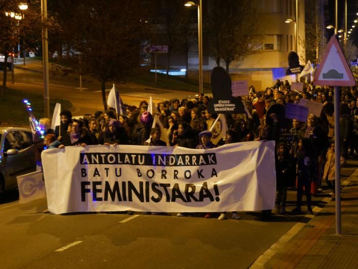 """Aiaraldeko Mugimendu Feminista: """"Borroka egun izugarria lortu dugu"""" - 15"""