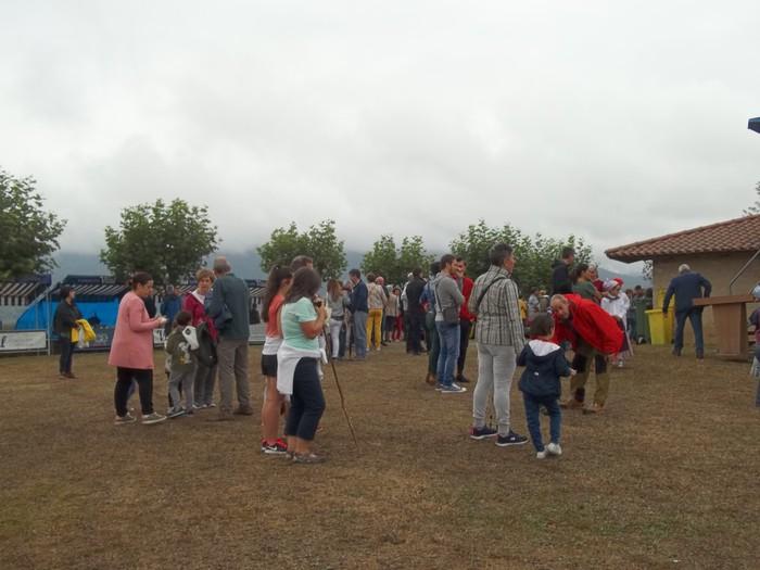 Etxaurrengo jaiak ospatu zituzten atzo baselizaren bueltan - 7