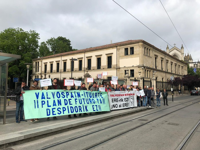 Enplegua Erregulatzeko Espedientea urriaren 1era arte atzeratzea proposatu du Valvospain-Ituarteko zuzendaritzak