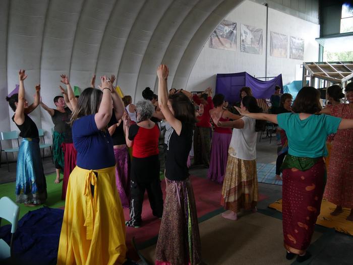 Aiaraldeko emakume feministen topaketa argazkitan - 100