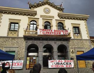 Amurrioko plaza bete dute Tubacexeko langileek