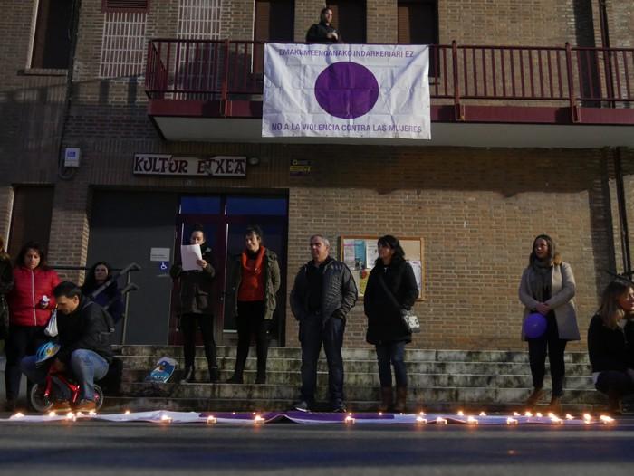Indarkeria matxistaren aurkako aldarriz bete dituzte eskualdeko kale eta plazak - 55