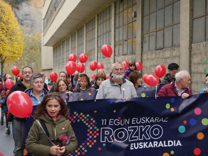Eskualdeko Ahobiziek eta Belarriprestek bete dute herriko plaza Euskaraldiaren egun nagusian - 30
