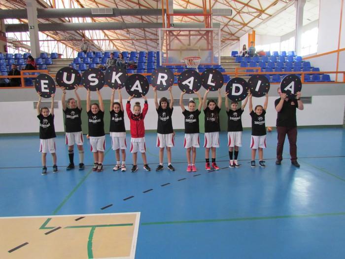 Sugarrak saskibaloi taldeko kideak ere Euskaraldiarekin bat! - 2