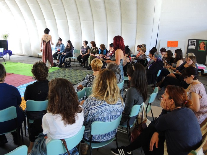 Aiaraldeko emakume feministen topaketa argazkitan - 29