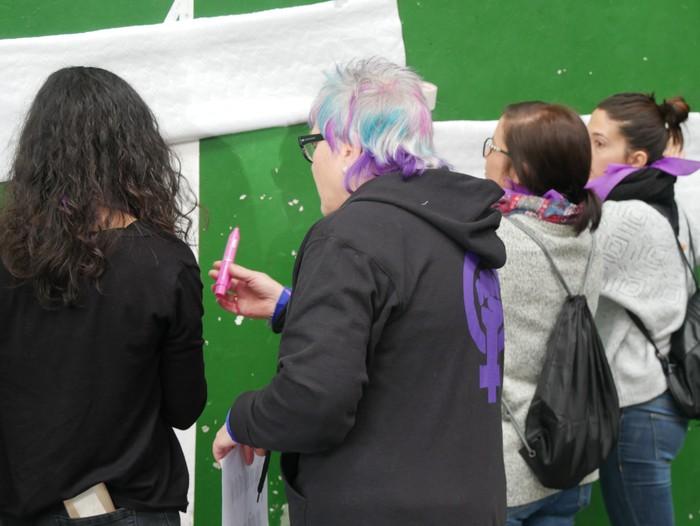 Ehunka emakume* grebalarik hartu dituzte Aiaraldeko kale eta plazak - 65