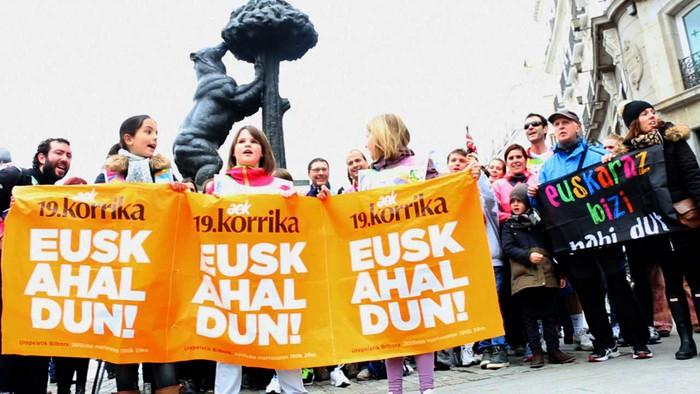 """Korrikako lekukoen segida: """"Madrilen ere Korrikaren alde!"""""""