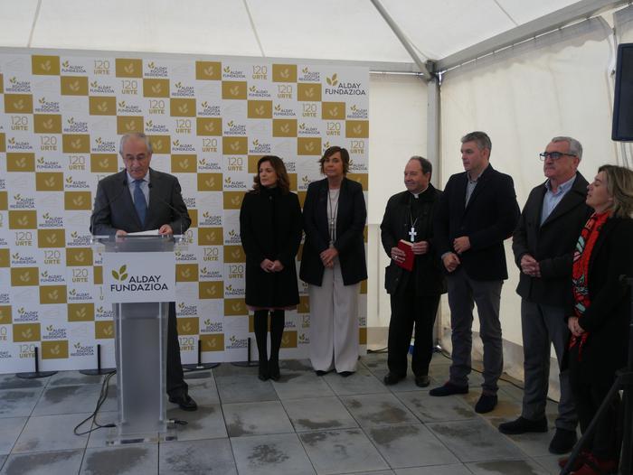 Gaur inauguratu dute Aiarako nagusien egoitza berria - 65