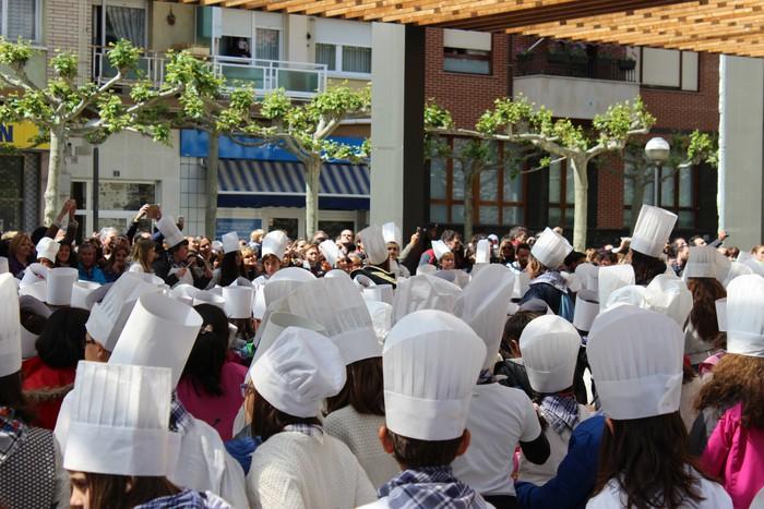 San Anton plazan egin dute umeek San Prudentzioko danborrada - 24