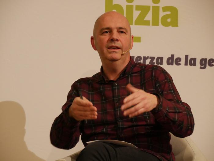 Joseba Vivanco EH Bilduko alkategiaren aurkezpenean Kike Fernandez de Pinedo ere aritu zen