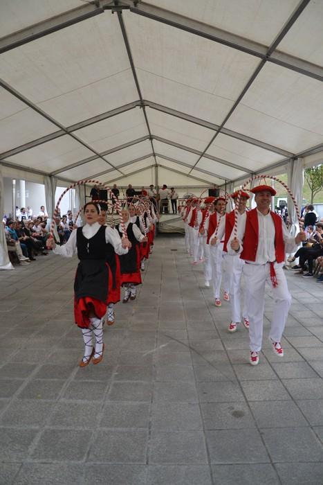 Untzueta dantza taldeak 35. urteurrena ospatu zuen atzo - 31