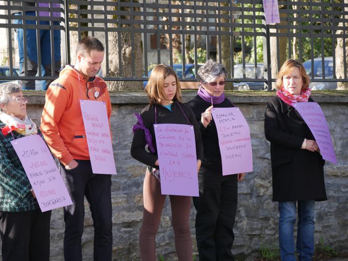 Indarkeria matxistaren aurka mobilizatu dira eskualde osoan - 13