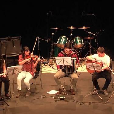 Musika eskolafolk taldea