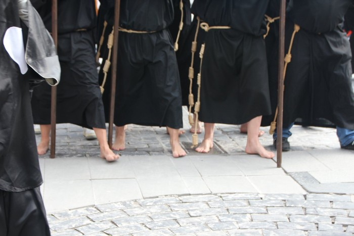 Ohitura katolikoei jarraiki, jende ugari batu da Urduñako prozesioan - 42