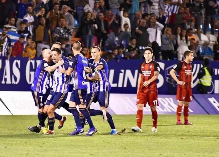 Asier Benito amurrioarrak bere lehen gola sartu du 2. mailan Ponferradina taldearekin