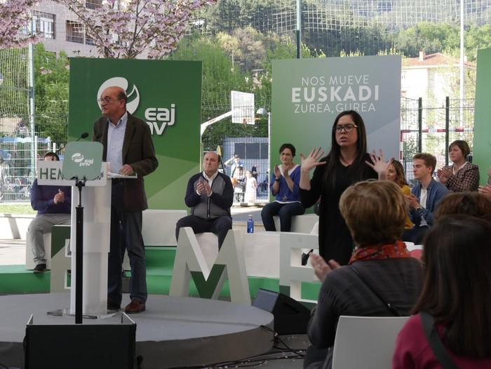 """Senatuan """"Araba eta Euskadiren interesak"""" defendatzeko prest azaldu da Almudena Otaola - 11"""
