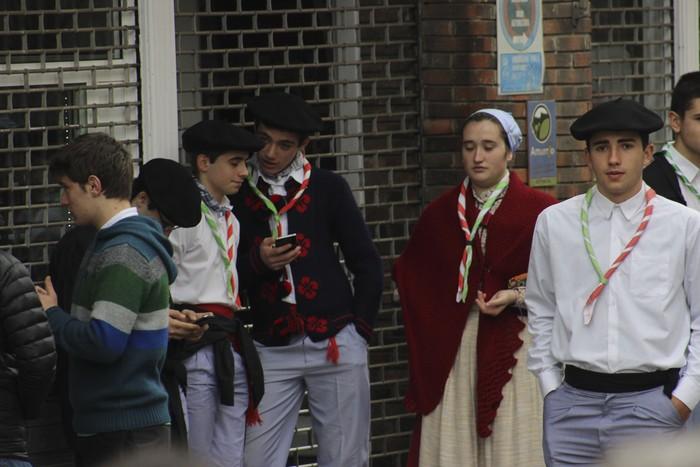 Ehunka ekoizlek eta bisitarik egin dute bat San Anton azokan - 74