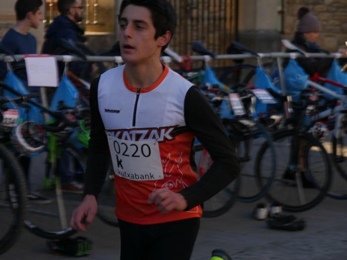 Ander Ganzabalek irabazi du San Silbestre lasterketa jendetsua - 106