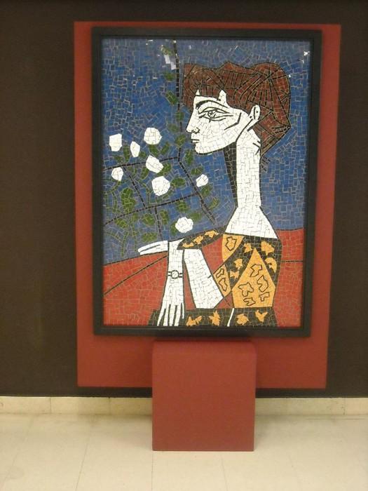 Picassorean obran oinarrituriko mosaikoak ikusgai daude Kultur Etxean