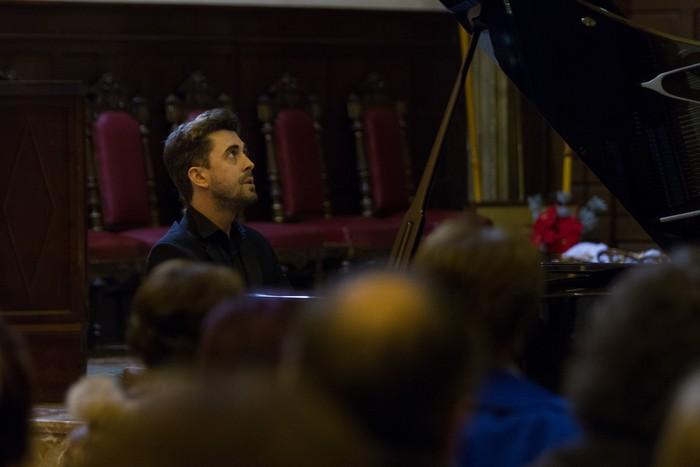 Antonio Oyarzabalek piano kontzertu jendetsua eskaini zuen atzo - 8