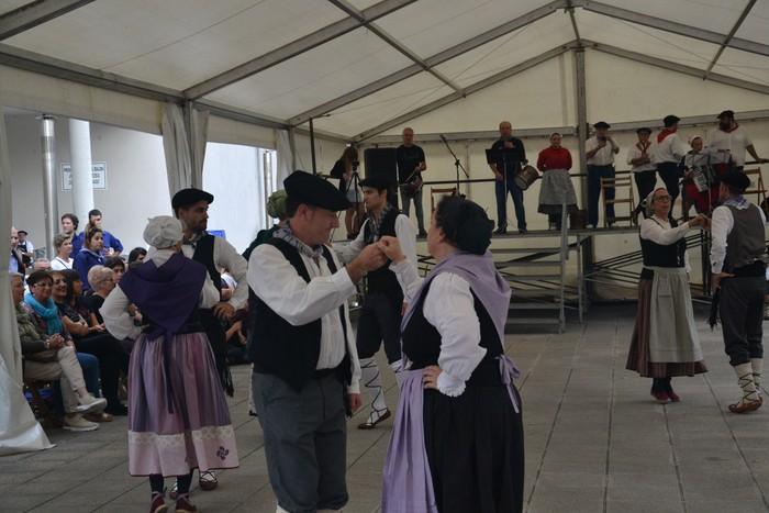 Untzueta dantza taldeak 35. urteurrena ospatu zuen atzo - 34