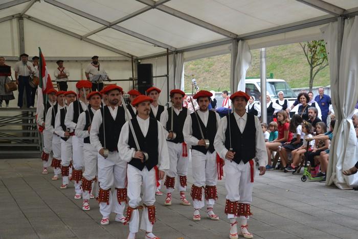 Untzueta dantza taldeak 35. urteurrena ospatu zuen atzo - 105