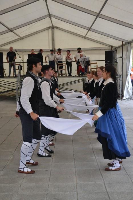 Untzueta dantza taldeak 35. urteurrena ospatu zuen atzo - 132