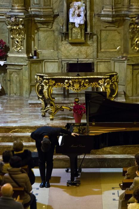 Antonio Oyarzabalek piano kontzertu jendetsua eskaini zuen atzo - 12