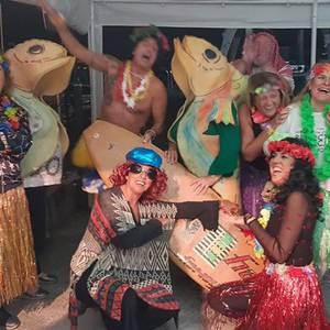 Udako denboraldiaren amaiera festa egin zuten atzo igerilekuetan