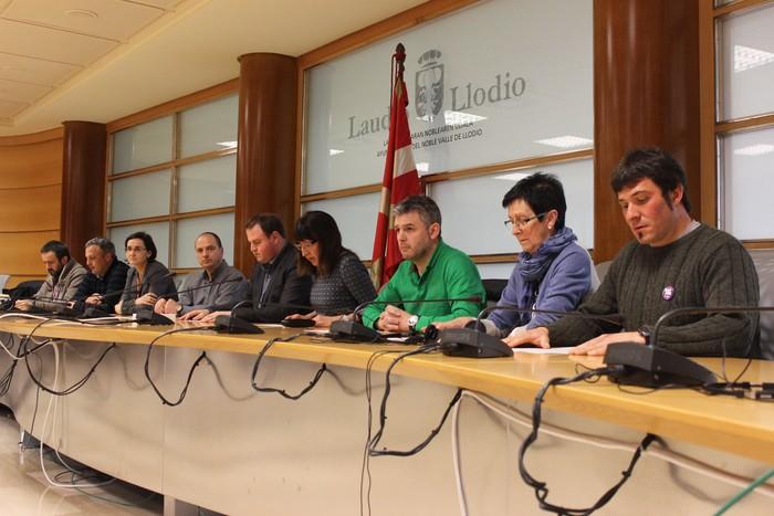Eskualdeko alkate guztiek eta Aiarako Koadrillako Presidenteak babestu dute Natxo Urkixo