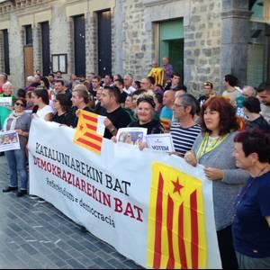 Ehunka aiaraldear mobilizatu dira Kataluniarekin bat egiteko