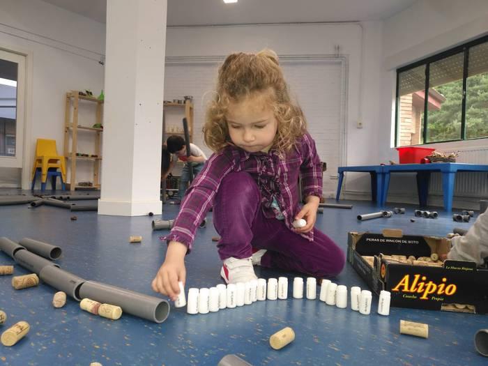 Material berrerabilgarria, proiektu pedagogiko bihurtuta
