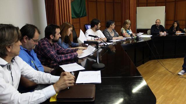 Artziniegako udalbatzak bat egin du herri kataluniarraren asmo demokratikoarekin