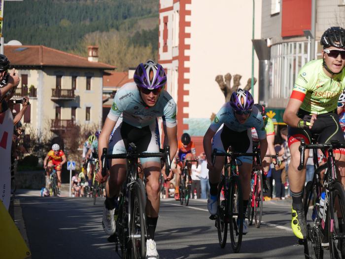 Pablo Fernandezek irabazi zuen sprintean Aiarako Birako lehen etapa - 89