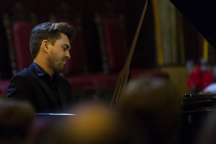 Antonio Oyarzabalek piano kontzertu jendetsua eskaini zuen atzo - 9